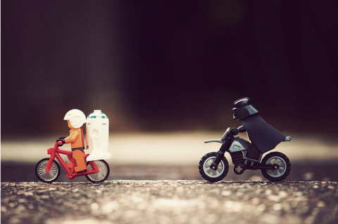 I Have You Now - Flickr - Balakov - dark vador vélo lego